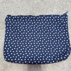 31 Large Zipper Pouch